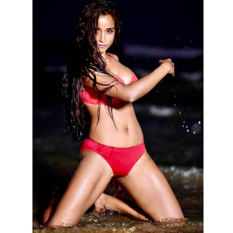 Pooja Bhalekar Wiki, Age, Biography, Movies, and Glamorous Photos 109