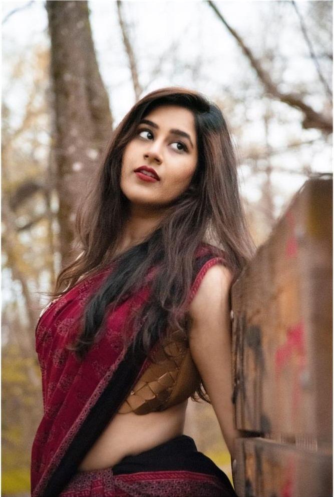 Poojitha Kuraparthi Wiki, Age, Bio, Movies, Husband, Height, and beautiful Photos 119