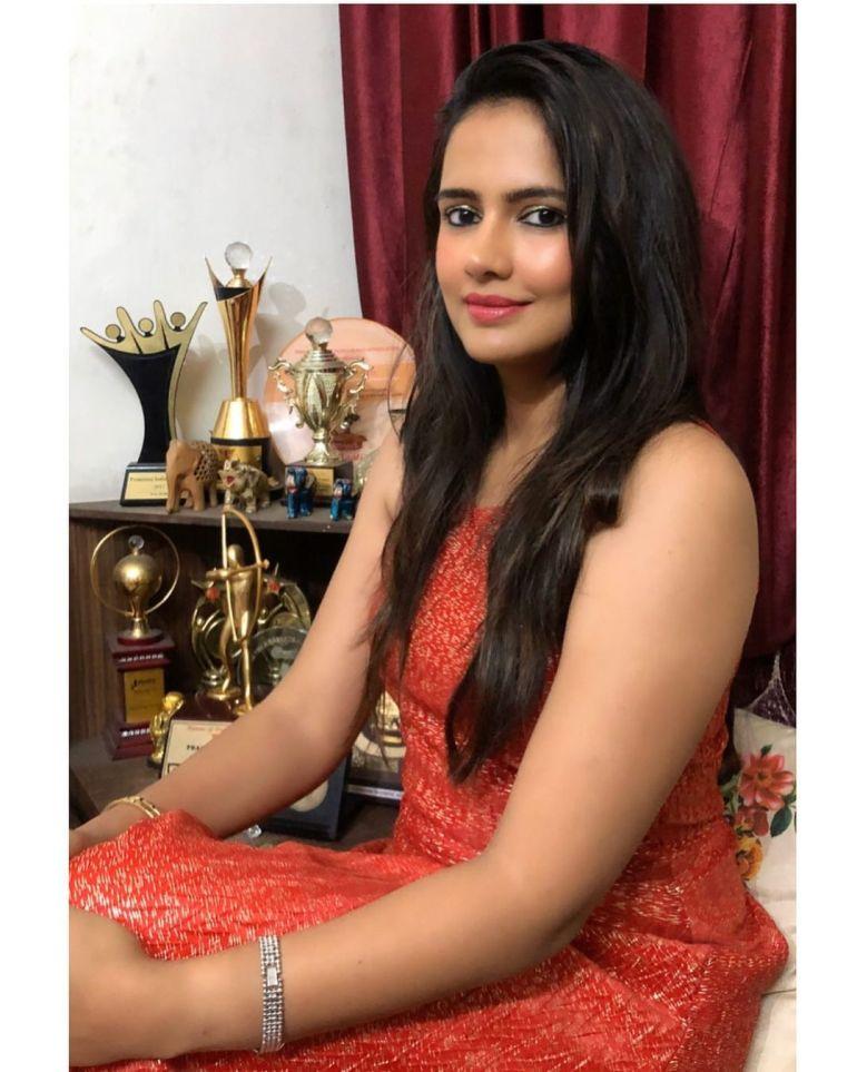 Pratima Singh Wiki, Age, Biography, Family, Career, and Beautiful Photos 113