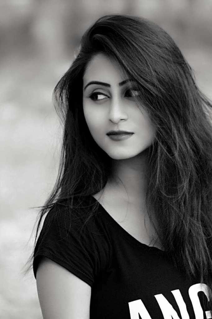 Bengali Model Priya Chakraborty Wiki, Age, Biography, Movies, and Beautiful Photos 136