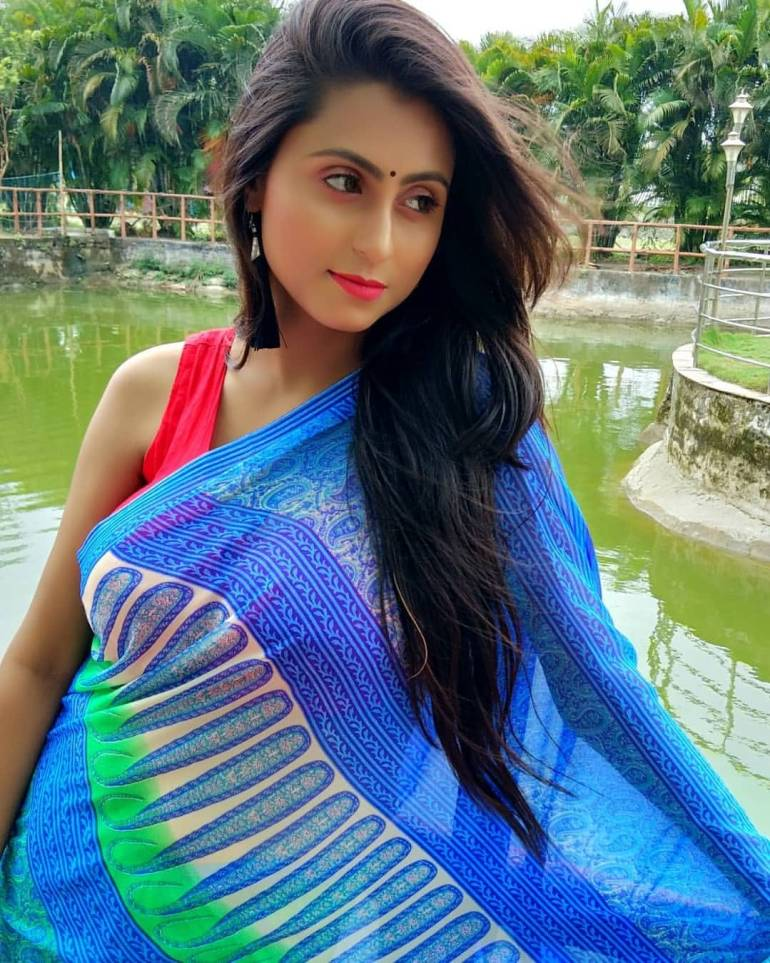 Bengali Model Priya Chakraborty Wiki, Age, Biography, Movies, and Beautiful Photos 126