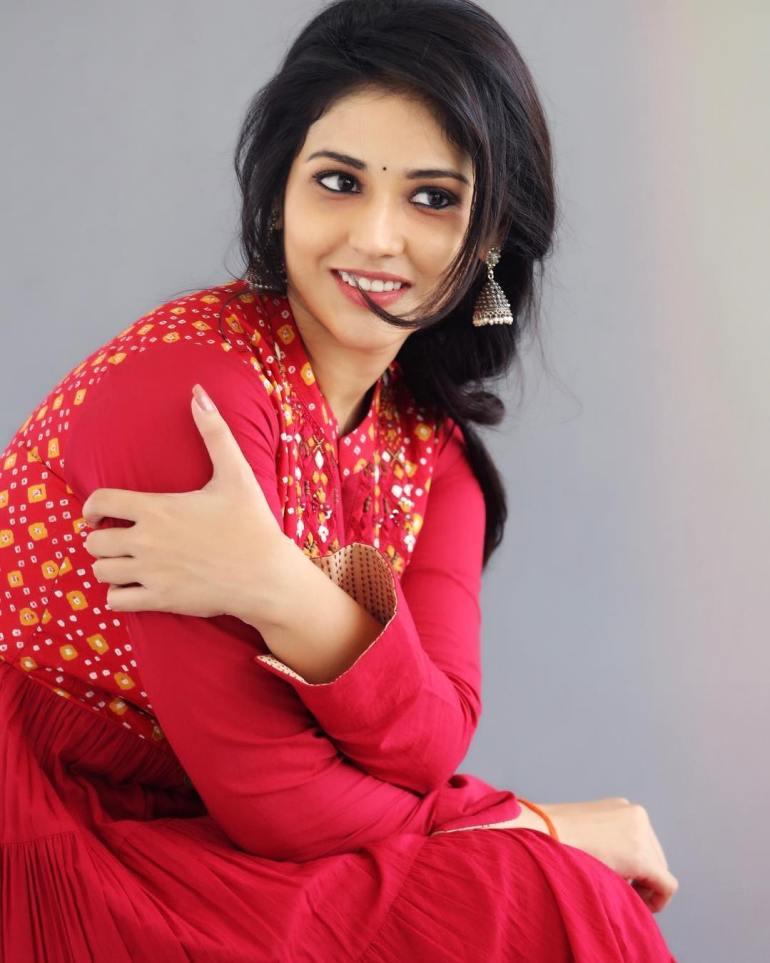 Priyanka Jawalkar Wiki, Age, Biography, Movies, and Stunning Photos 103