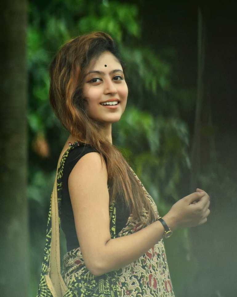Bengali Model Rajnondini Chatterjee Wiki, Age, Biography, Movies, and Beautiful Photos 121