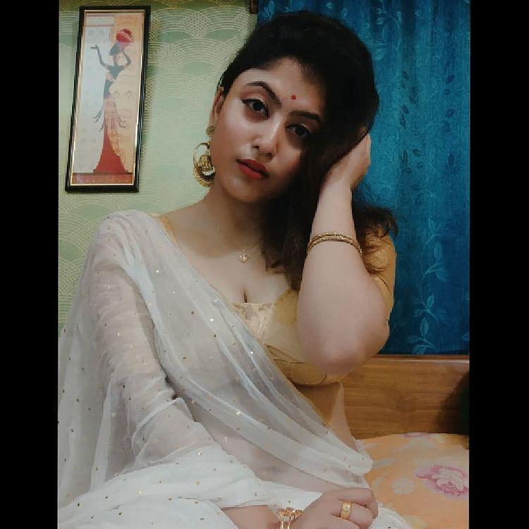 Bengali Model Rajnondini Chatterjee Wiki, Age, Biography, Movies, and Beautiful Photos 125