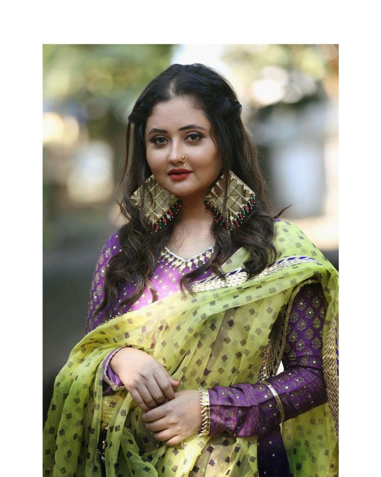 Rashmi Desai Wiki, Age, Biography, Movies, and Beautiful Photos 130