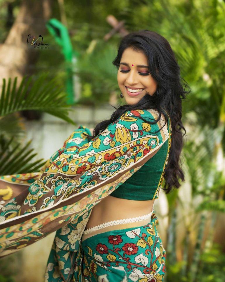 Rashmi Gautam Wiki, Age, Biography, Movies, and Gorgeous Photos 107