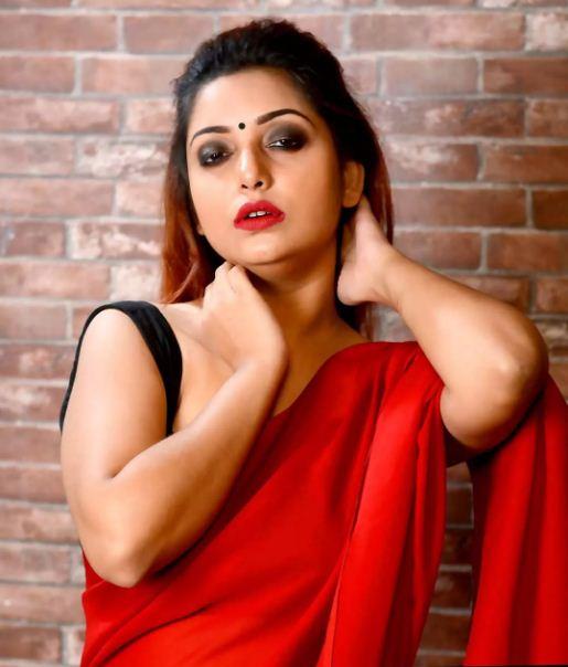 Rupsa Saha Chowdhury Wiki, Age, Biography, Movies, and Glamorous Photos 123