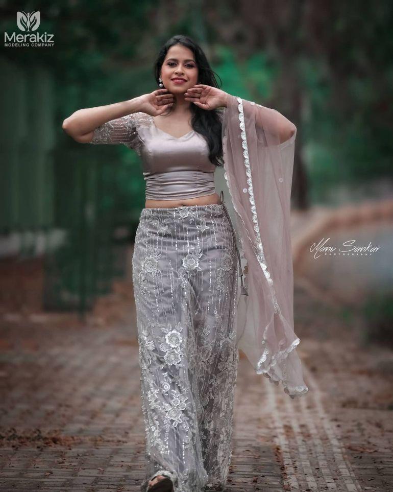 Sadhika Venugopal Wiki, Age, Biography, Movies, and Beautiful Photos 128