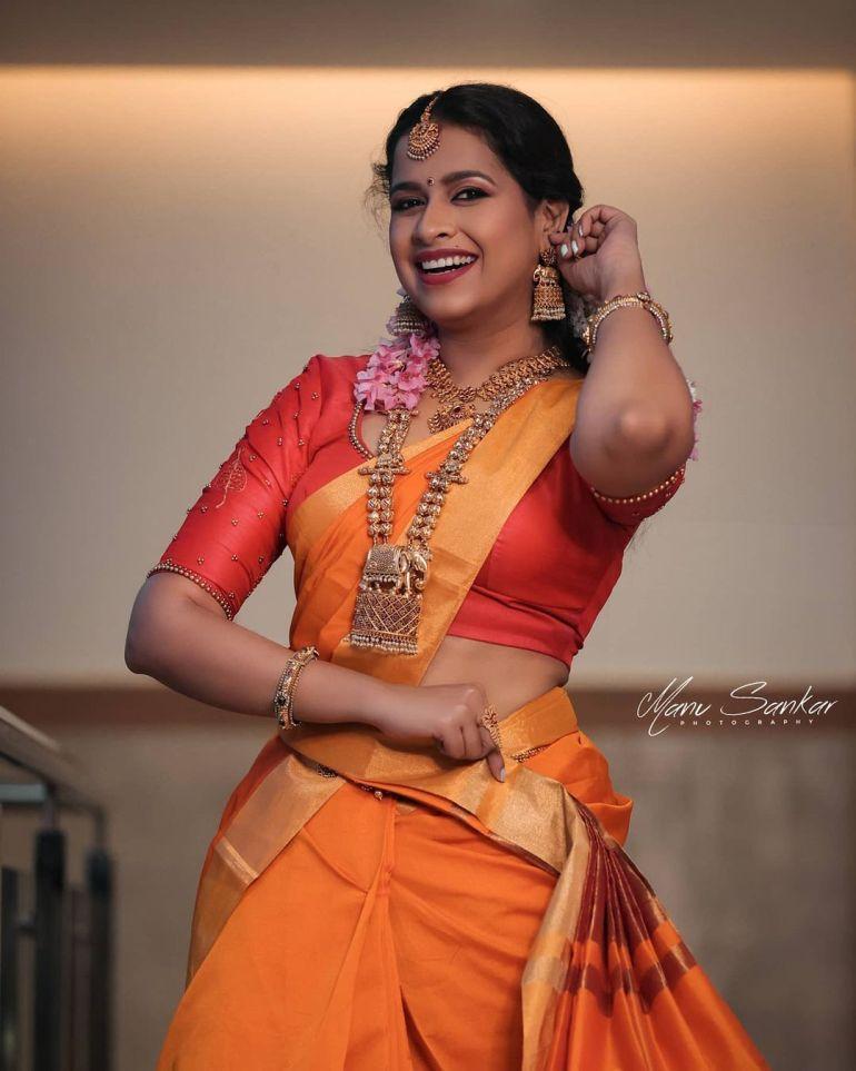 Sadhika Venugopal Wiki, Age, Biography, Movies, and Beautiful Photos 119
