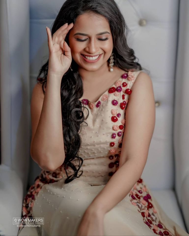 Sadhika Venugopal Wiki, Age, Biography, Movies, and Beautiful Photos 116