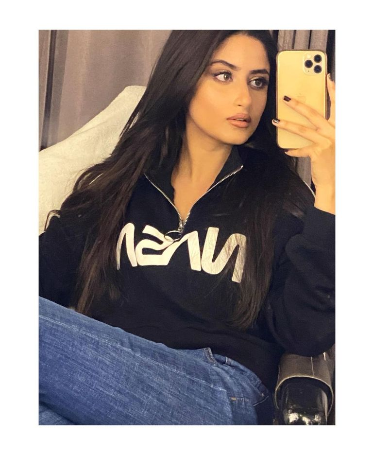 Sajal Aly Wiki, Age, Biography, Movies, and Beautiful Photos 125