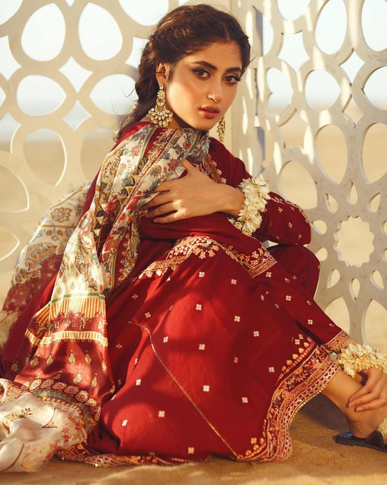 Sajal Aly Wiki, Age, Biography, Movies, and Beautiful Photos 110
