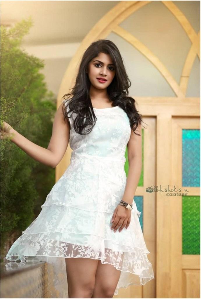 21+ Beautiful Photos of Sanjana Anand 126
