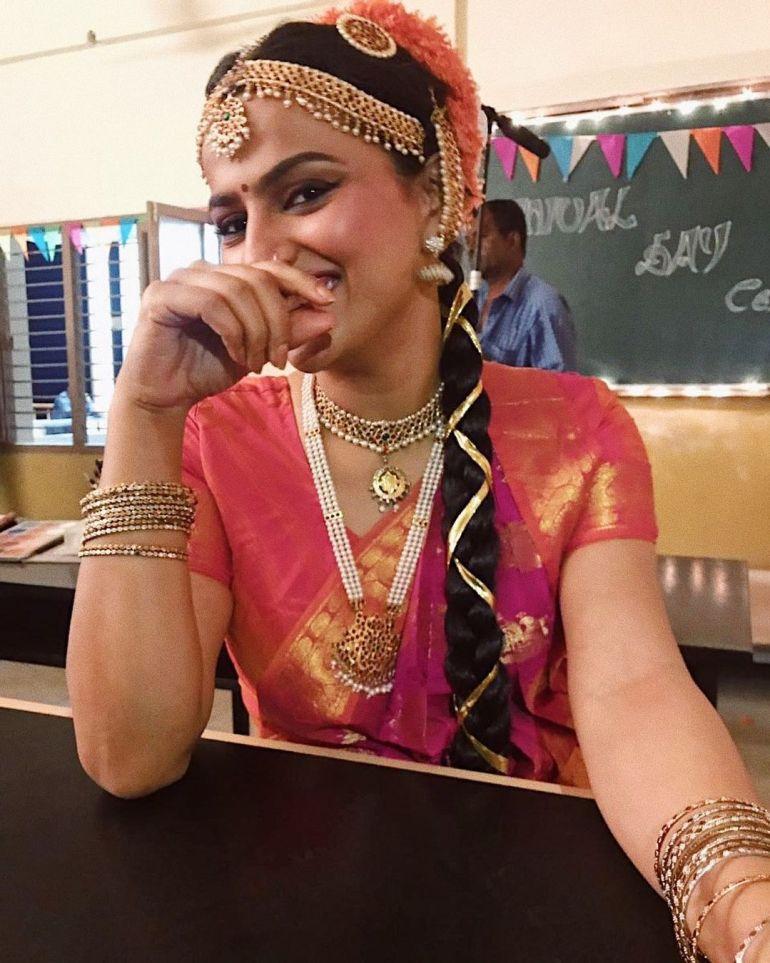 Shraddha Srinath Wiki, Age, Biography, Movies, and Beautiful Photos 122