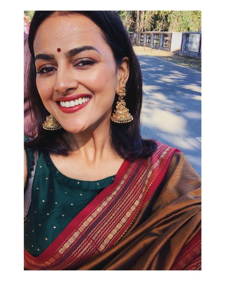 Shraddha Srinath Wiki, Age, Biography, Movies, and Beautiful Photos 125