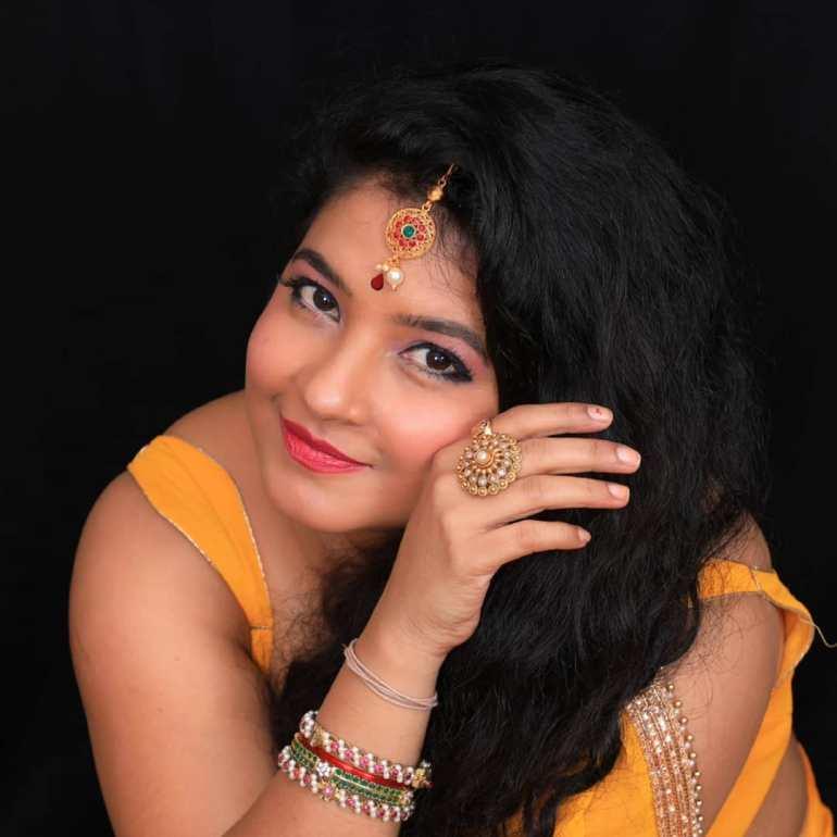 Shubha Poonja Wiki, Age, Biography, Movies, and Beautiful Photos 102