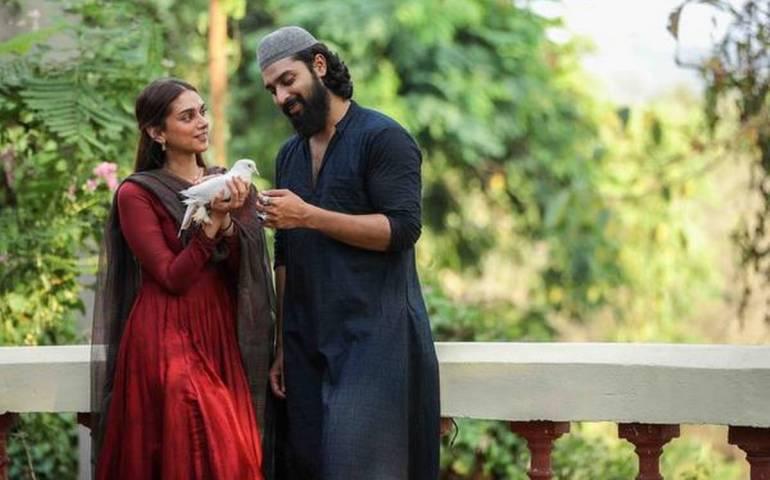 Sufiyum Sujathayum Malayalam Movie Cast & Crew, Video Songs, Trailer, and Mp3 105