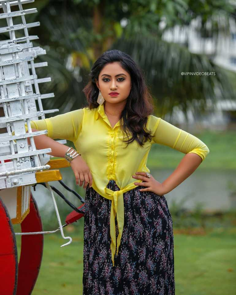 Swathy Nithyanand Bio, Wiki, Age, Husband, Serial, and Beautiful Photos 115