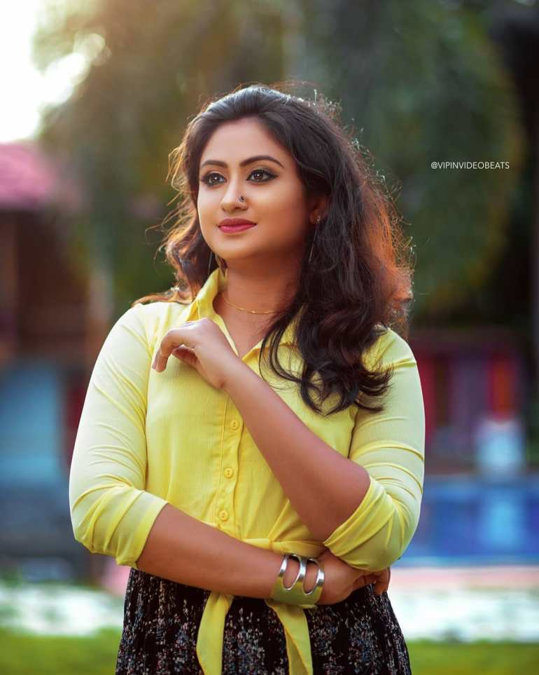 Swathy Nithyanand Bio, Wiki, Age, Husband, Serial, and Beautiful Photos 116