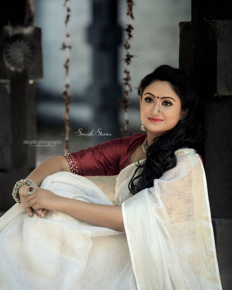 Swathy Nithyanand Bio, Wiki, Age, Husband, Serial, and Beautiful Photos 123