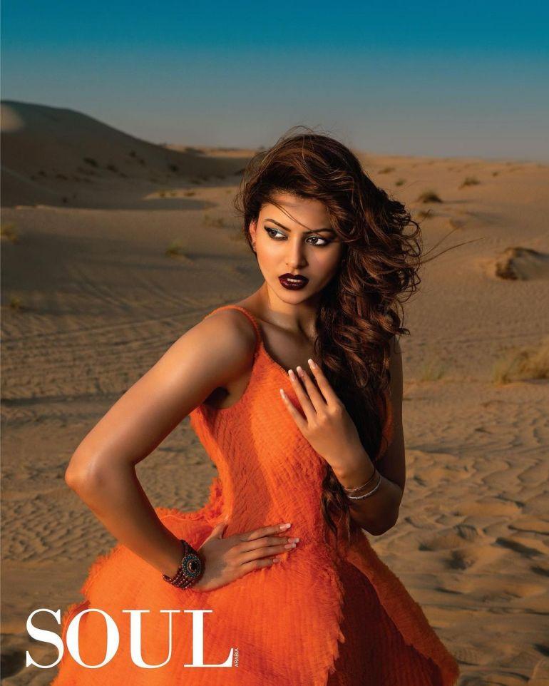 Urvashi Rautela Wiki, Age, Biography, Movies, and Glamorous Photos 113