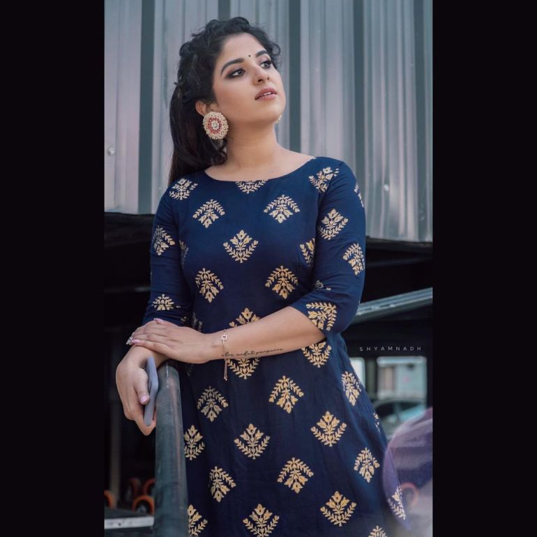 Aparna Thomas Wiki, Biography, and beautiful Photos 120