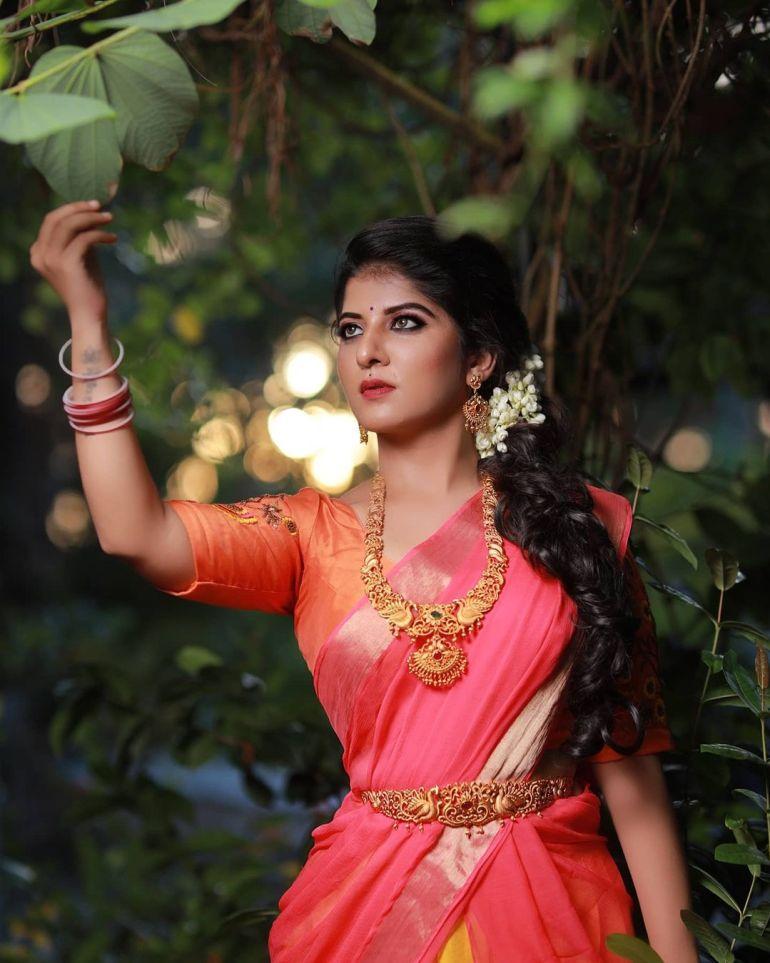 Aswathy S Nair Wiki, Biography, Serials, and Beautiful Photos 108
