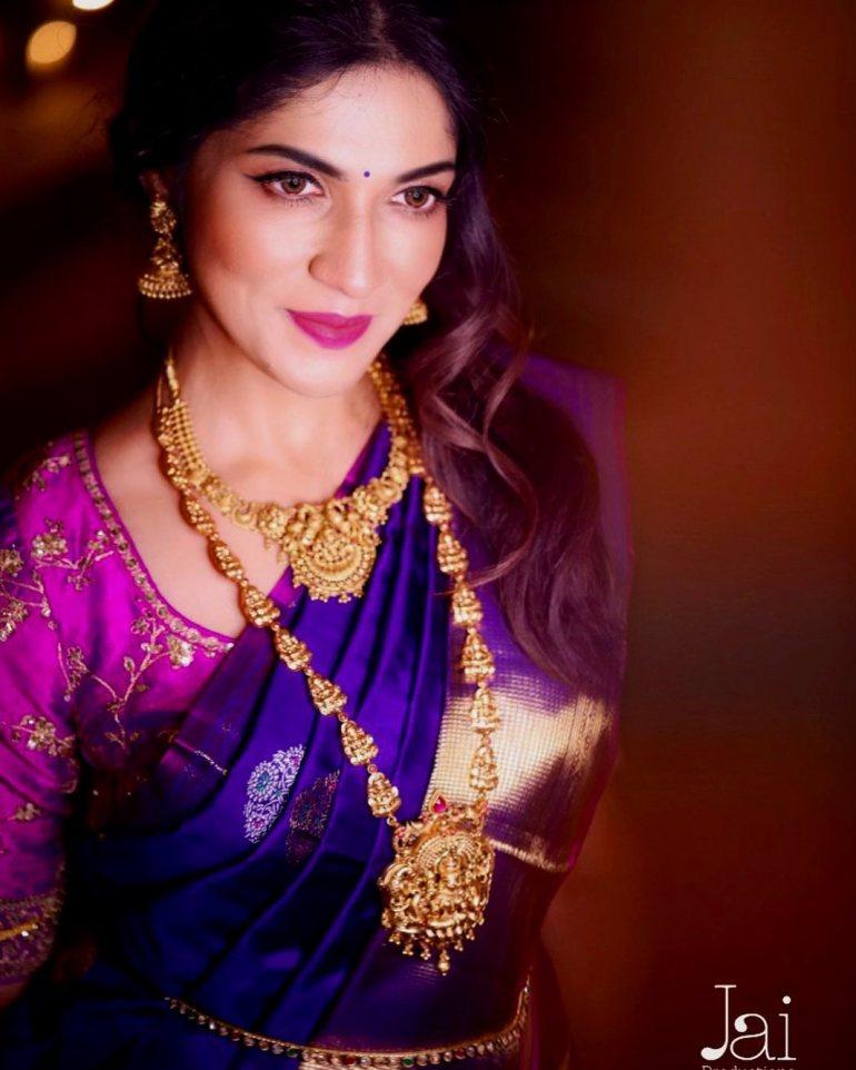 Iti Acharya Wiki, Age, Biography, Movies, and Gorgeous Photos 111