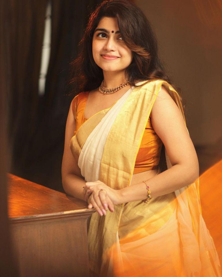 Manasa Radhakrishnan Wiki, Age, Biography, Movies, and Beautiful Photos 116