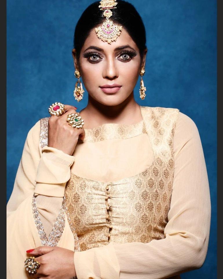 Reshma Pasupuleti Wiki, Age, Biography, Movies, and Glamorous Photos 103