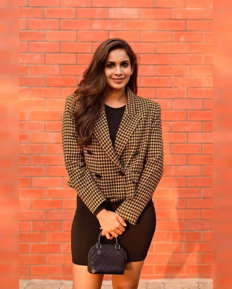 Samyuktha Karthik Wiki, Age, Bio, Movies, Husband, and Beautiful Photos 104