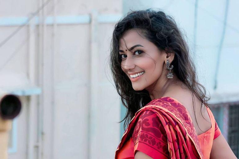 Sanjana Singh Wiki, Age, Biography, Movies, and Beautiful Photos 115