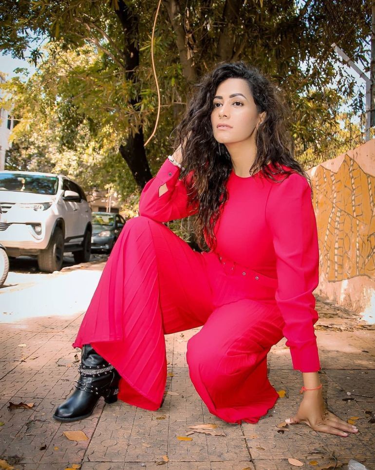 Sanjana Singh Wiki, Age, Biography, Movies, and Beautiful Photos 121