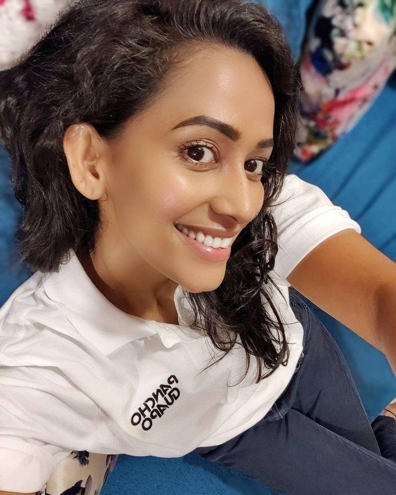 Sanjana Singh Wiki, Age, Biography, Movies, and Beautiful Photos 113