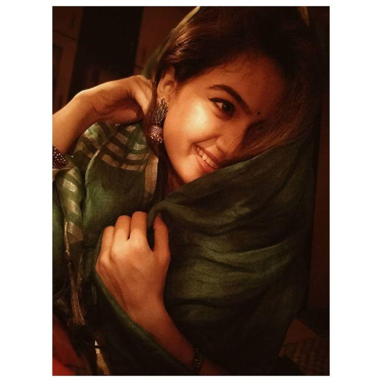 Siri Prahlad Wiki, Age, Biography, Movies, and Gorgeous Photos 112