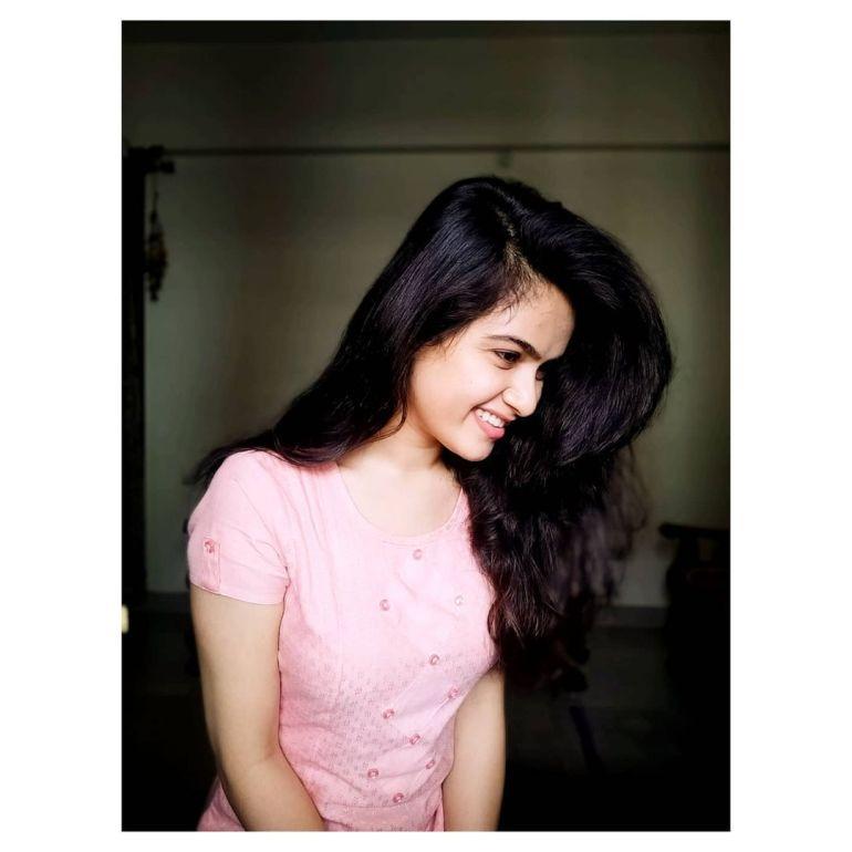 Siri Prahlad Wiki, Age, Biography, Movies, and Gorgeous Photos 114