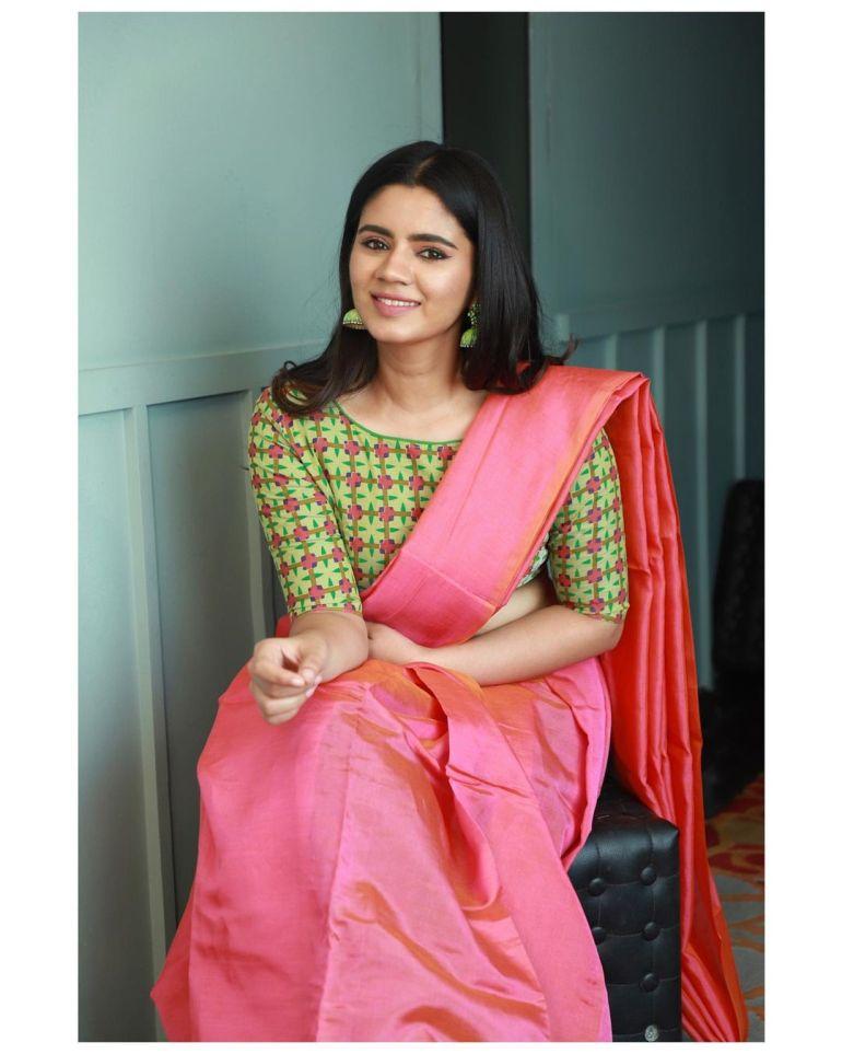 Soundariya Nanjundan Wiki, Age, Biography, Movies, and Beautiful Photos 114