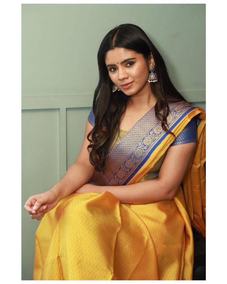 Soundariya Nanjundan Wiki, Age, Biography, Movies, and Beautiful Photos 118