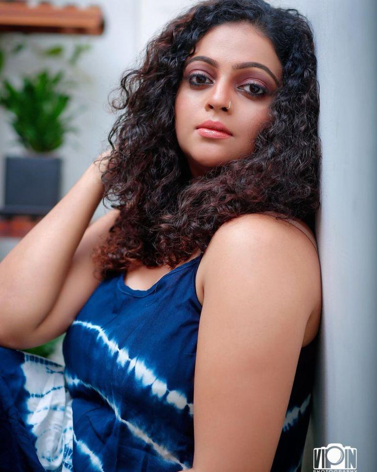 Aswathy Sreekanth Wiki, Age, Biography, Movies, Serial, and Beautiful Photos 124