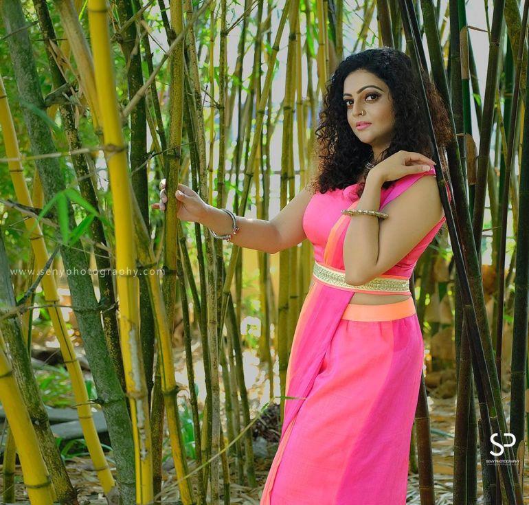 Aswathy Sreekanth Wiki, Age, Biography, Movies, Serial, and Beautiful Photos 129