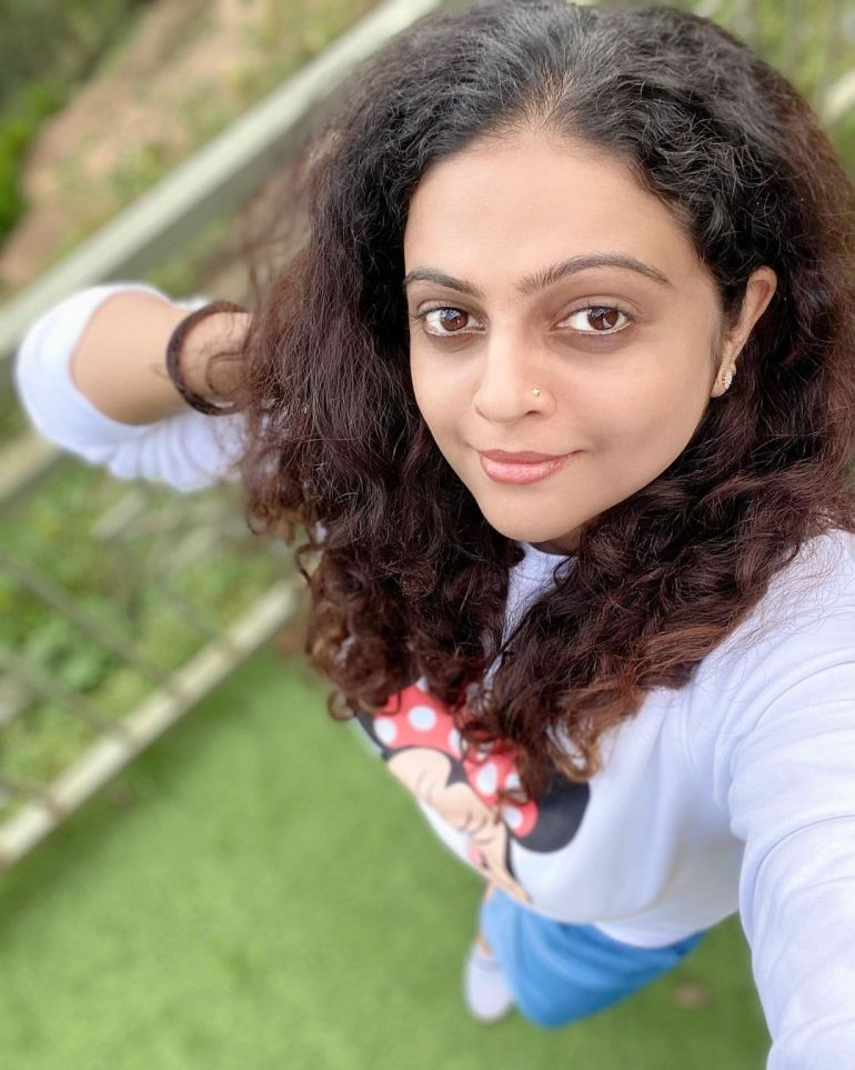Aswathy Sreekanth Wiki, Age, Biography, Movies, Serial, and Beautiful Photos 134