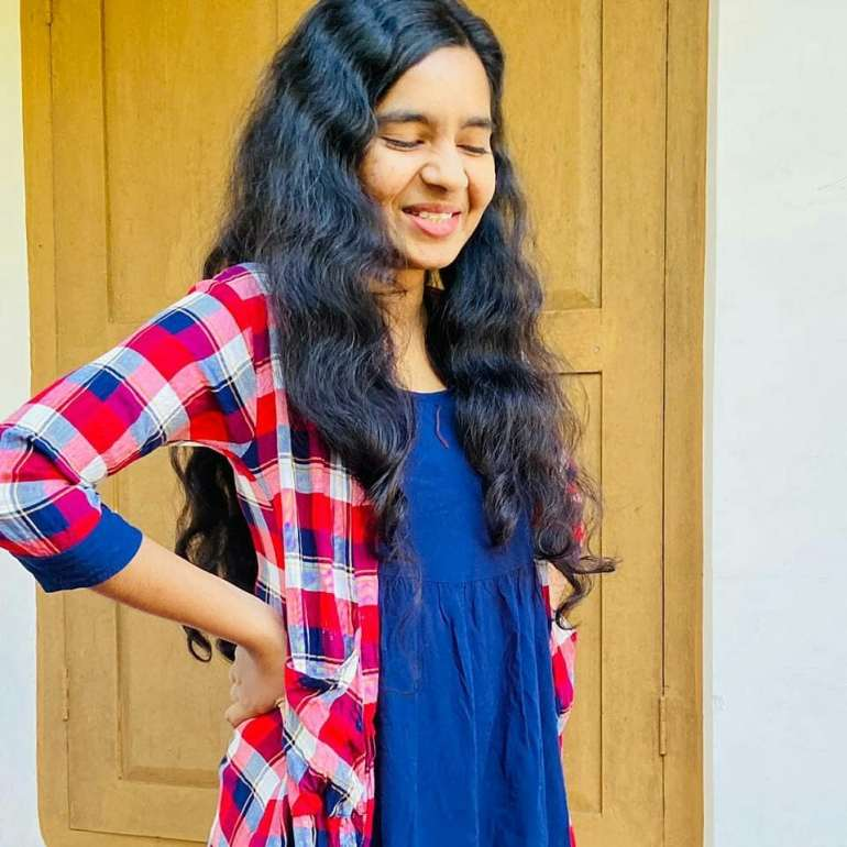 Lakshmi Unnikrishnan (Chakkapazham fame) Wiki, Age, Biography, Movies, and Beautiful Photos 111