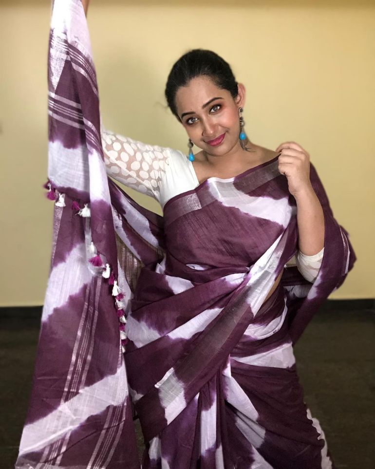 Sowbhagya Venkitesh Wiki, Age, Biography, Movies, web series, and Gorgeous Photos 114