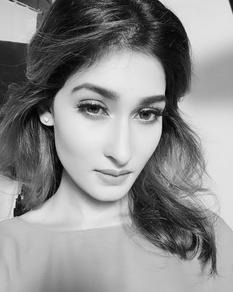 Umme Ahmed Shishir Gorgeous Photos, Wiki, Age, Biography, and Movies 112