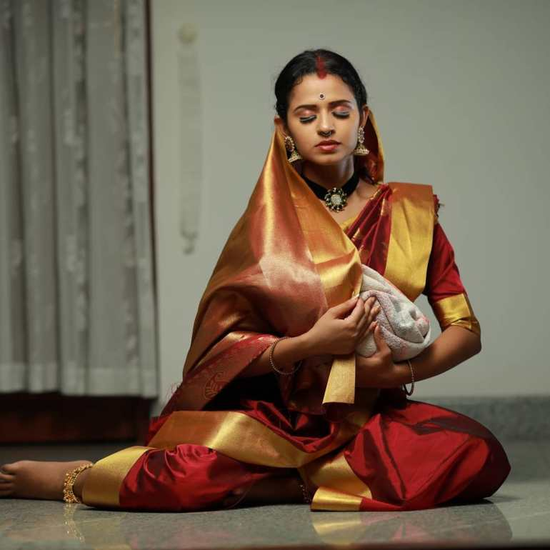 Meenakshi Raveendran Wiki, Age, Biography, Movies, and Beautiful Photos 106
