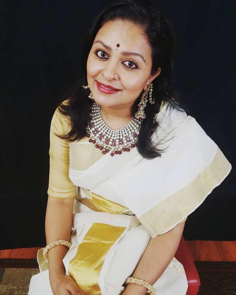 Sabitta George ( Chakkapazham Serial fame) Wiki, Age, Biography, Serial, Movies, and 27+ Beautiful Photos 102