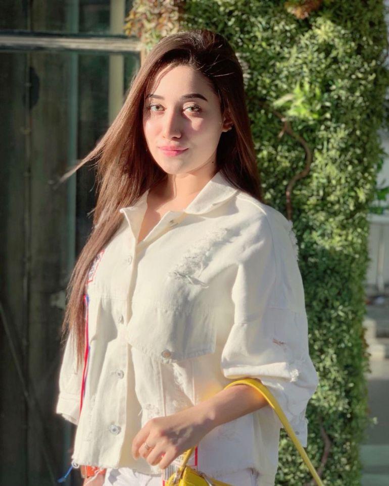 Sanjana Sarkar Riya Gorgeous Photos, Wiki, Age, Biography, and Movies 113