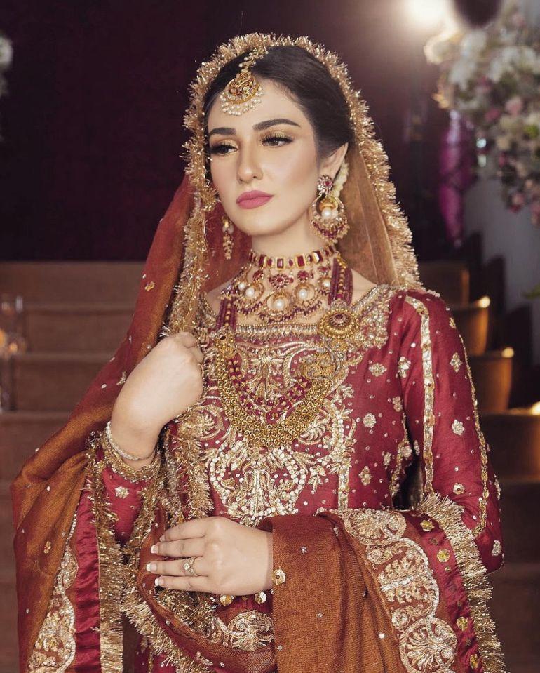 Sarah Khan (Pakistani Actress) Wiki, Age, Biography, Movies, and 21+ Gorgeous Photos 109