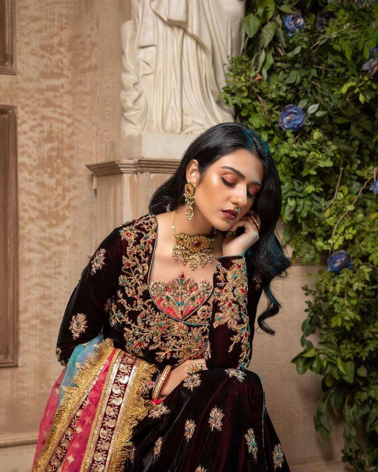 Sarah Khan (Pakistani Actress) Wiki, Age, Biography, Movies, and 21+ Gorgeous Photos 110
