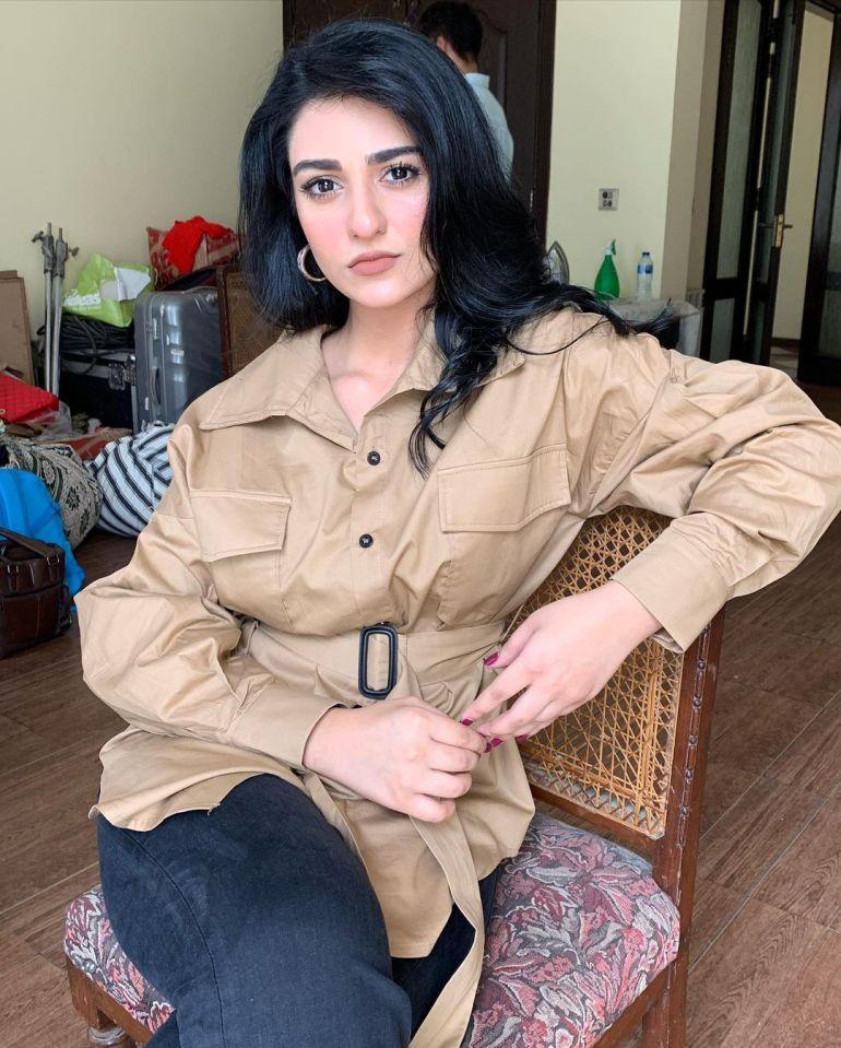 Sarah Khan (Pakistani Actress) Wiki, Age, Biography, Movies, and 21+ Gorgeous Photos 100